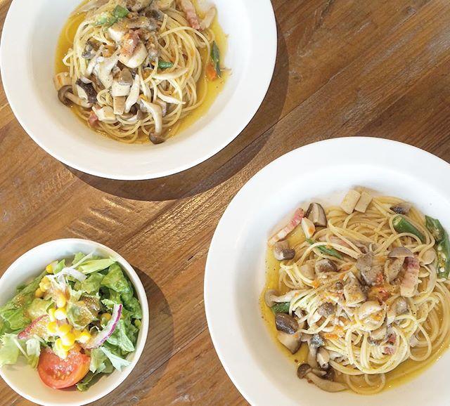 ..おはようございます︎..今日の日替わりスパゲッティランチは奥出雲ベーコンと5種類きのこのオイルスパゲッティ です..今日も22時まで営業しております!ご来店お待ちしております♡..#lunch #ランチ #日替わり#spaghetti #スパゲッティ#奥出雲 #ベーコン#5種類 #きのこ#オイルスパゲッティ#サラダ #付き#bistrocafe #cafe #カフェ #hausmatsue #島根 #松江