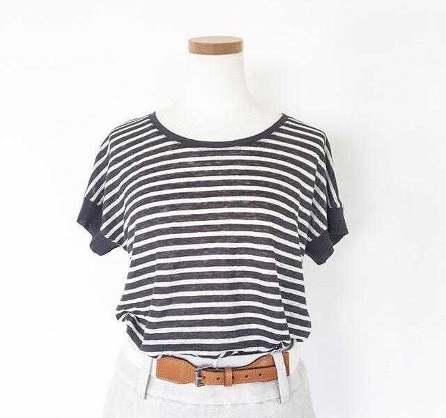 .そしてやっぱり毎年活躍のこのニット。.薄手で程よい落ち感のあるニットはTシャツよりも子供っぽくならず、おでかけにちょうどいい。.つい先日もスタッフ同士で偶然にもペアルックになってしまった時もこのニットでした。暑くなるとついつい着たくなる1枚です。.@haus_howell .#margarethowell #linen stripe jersey#border#marine#linen#hausmatsue #島根 #松江