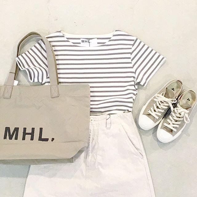 .今日の気分はほんのりサファリ..商品の説明は@haus_howell にて.#MHL.#beige#Safari#dry stripe jersey#light denim#skirt#allstar #converse #sneaker#logobag#totebag#hausmatsue #島根 #松江
