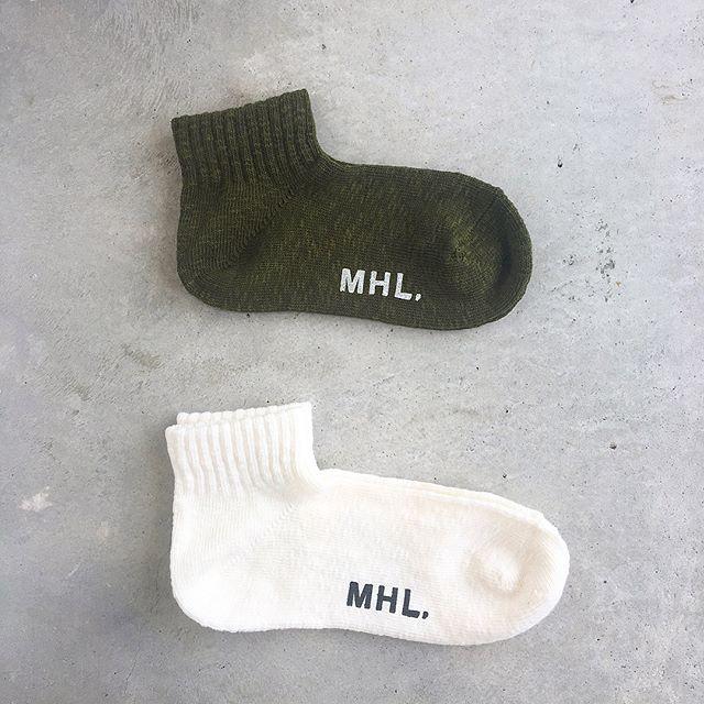 .なんだろうなぁなんともたまらないフォルムのMHL.とラソックスのコラボソックス。.MHL.cotton slub.ウィメンズ・メンズ共に入荷しました︎.くわしくは@haus_howell へ.#MHL.#cottonslub#ラソックス#L字型靴下 #socks#くつした#くるぶし丈#hausmatsue #島根 #松江