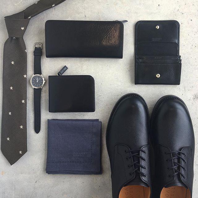 .men'sも続々と入荷中です。PORTERとのコラボの革小物たちやネクタイなど。ギフトにもおすすめです。@haus_howell .#margarethowell #men's#porter#leather#wallet#Cardcase#leathershoes#革靴#時計#腕時計#gift#Watch #handkerchief#hausmatsue #島根 #松江