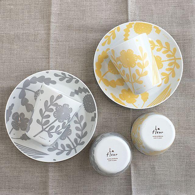 .La fleur(ラ・フルール)シリーズで毎日の食卓に彩りを添えてみませんか?.陶器やファブリック版画などを中心に創作活動をされている鹿児島睦さんの切り絵の世界が日々の道具になりました 🕊..詳しくは…@haus_zakka ..#ラフルール #lafleur #食器 #タンブラー #プレート#hausmatsue #島根 #松江 #雑貨