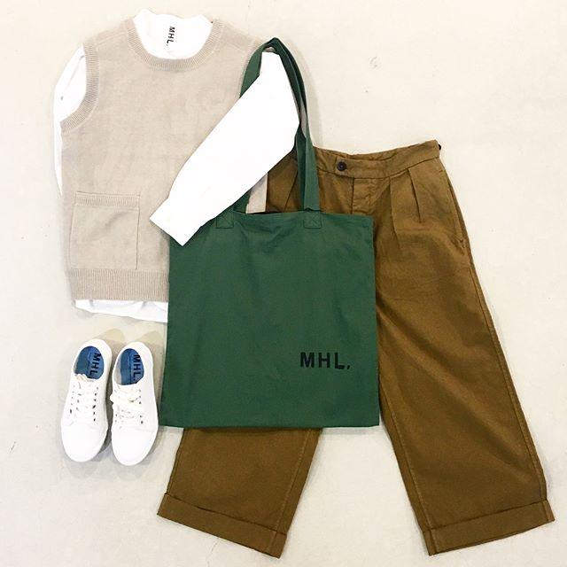 .そろそろベストも着たいしボトムも秋色にしたい。涼しくなあれ。.本日は新型のトラウザーのご紹介。前半はウィメンズ後半はメンズです。くわしくは@haus_howell へどうぞ︎.#MHL.#dry cotton linen#knit#vest#brushed dry cotton canvas#MHL uniform trouser#trouser#shirt#logotote #bag#sneaker#hausmatsue #島根 #松江