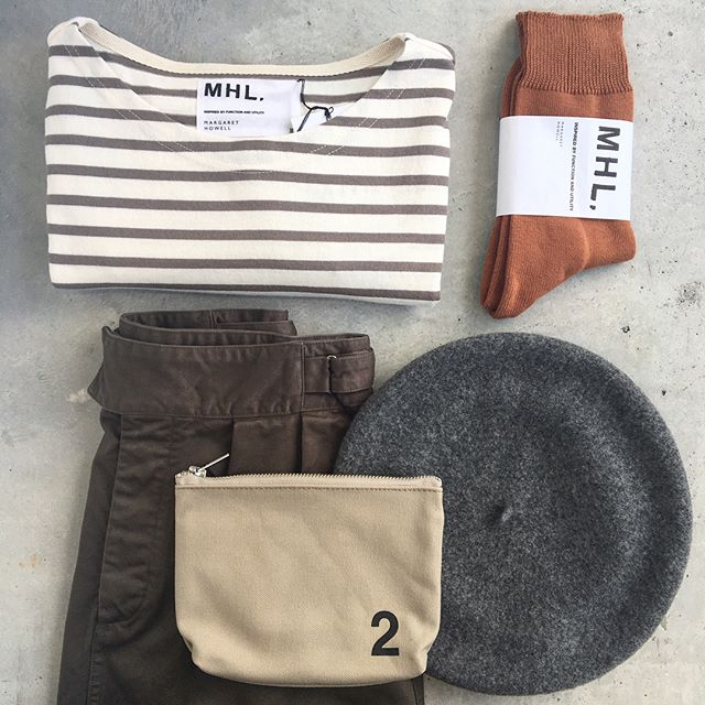 .MHL.autumnsmoky .たのしい秋の色あわせ.こちらもあわせてどうぞ︎@haus_howell .#MHL.#dry drill#skirt#dry stripe jersey#border#しましま#beret #ベレー帽#靴下#socks #hausmatsue #島根#松江