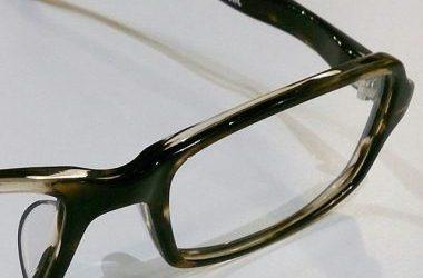 10月7日公開の映画#ナラタージュ 劇中、松潤さん着用のメガネです!#デュアル の #LC-09 C-1かなりシャープな印象のスクエアフレームですこちらのメガネの素材は、硬さと弾力を高次元でバランスした高品質セルロイド製、驚きのフィット感を是非店頭で味わって見て下さい。#hausmatsue #松江眼鏡 #島根 #メガネ #眼鏡 #松潤 #嵐 #デュアル #セルロイド #オシャレ