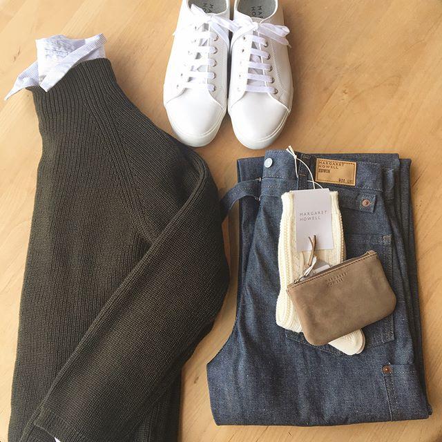 .去年もたくさん着たボトルネックのニット。今年もやってきました。.あわせてこちらもどうぞ@haus_howell ...#margarethowell #lightweight wool#bottleneck#knit#edwin#greycast #denim#leathersneaker#spinglemove#socks#nubuck#hausmatsue #島根#松江