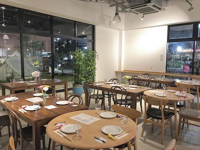..こんにちは◎.bistrocafeより営業時間のお知らせです。本日のディナーは貸切営業とさせていただきます。..CLOSE  17:00L.O(ラストオーダー)  16:30..貸切準備のため17時閉店とさせていただきます。ご迷惑をおかけしますがよろしくお願いいたします。….#貸切営業#cafe #カフェ#haus_matsue#hausmatsue #松江カフェ #島根カフェ#松江 #島根