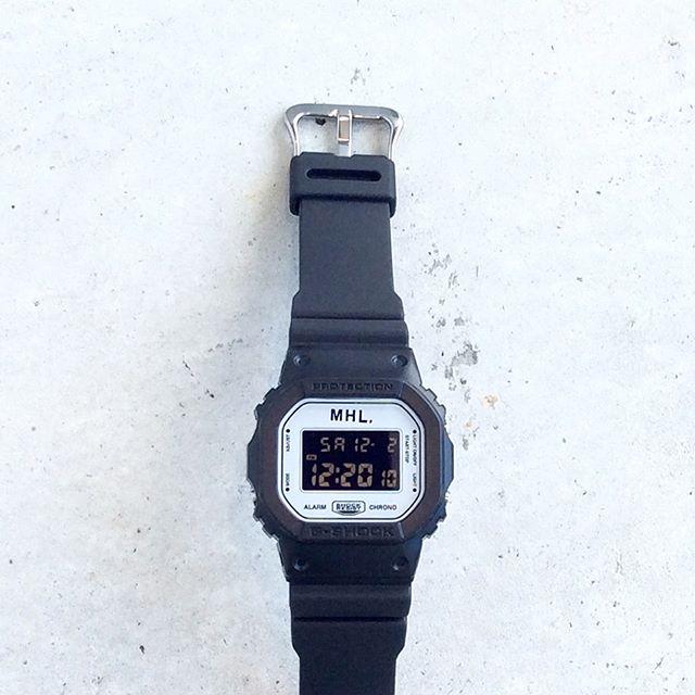 .MHL.G-SHOCK入荷です.定番的なDW-5600をベースにタフな機能を持ちながらも必要最低限に削ぎ落とした文字盤と液晶のバランスによって既存のモデルには無いモダンな雰囲気に仕上がったG–SHOCKです。.あわせてこちらもどうぞ@haus_howell .#MHL.#gshock #dw5600 #watch #腕時計#gift#Xmas#hausmatsue #島根 #松江