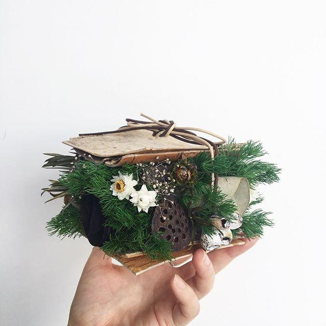 .白樺にぎゅっと詰まった冬の贈りもの。.#白樺#シラカバ#プリザーブドフラワー#アレンジメント #Xmas#Christmas#gift#hausmatsue #島根#松江