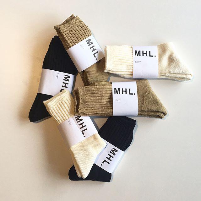 .ミリタリーのリブソックスからインスパイアされたコットンソックス。メンズ、ウィメンズ共に入荷です.giftに選ばれる方も多いMHL.のソックス。くせになる気持ちの良い履き心地と締め付けの無さと丈夫さ。日々使うものこそ気持ちの良いものを。おすすめです。.あわせてこちらもどうぞ︎@haus_howell ..#MHL.#military sock#リブソックス#socks#靴下#gift#hausmatsue #島根#松江