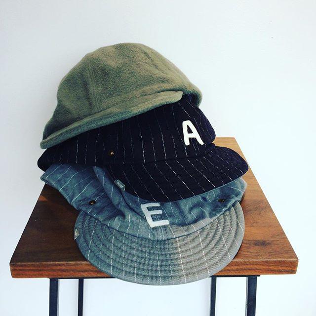 大切な人へのクリスマスプレゼント、もう決まりましたか?dechoデコーの帽子、いかがでしょうか?・しっかりした作りと、暖かそうな素材使いのものがいくつか入荷しております。是非ご覧くださいませ!・《haus営業時間》ショップ  11:00-20:00ビストロカフェ  モーニング  9:00-11:00(オーダーストップ10:30)ランチ〜ディナー 11:30-21:00(オーダーストップ20:30#haus_matsue#ハウス#ハウス松江#decho#デコー#帽子#キャップ#ギフト#haus_outdoor