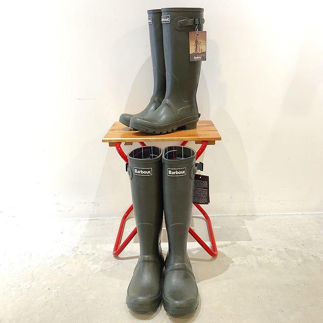 .雨・雪対策に長靴をお探しの方️..Barbour(バブアー)はいかがですか?..Barbourは変わらぬ機能と耐久性で1894年創業以来、愛用され続けています。(英国王室御用達ブランドです)..通勤・通学、日常使いにシンプルで合わせやすい形です。..《HAUS営業時間》.*ショップ 11:00-20:00..*ビストロカフェ.モーニング. 9:00-11:00 (Lo10:30).ランチ.  11:30-14:00.カフェ.  14:00-18:00.ディナー.  18:00-21:00 (Lo20:15)..#haus_matsue.#ハウス.#ハウス松江.#barbour.#バブアー.#outdoor.#アウトドア.#haus_outdoor.#松江.#島根.