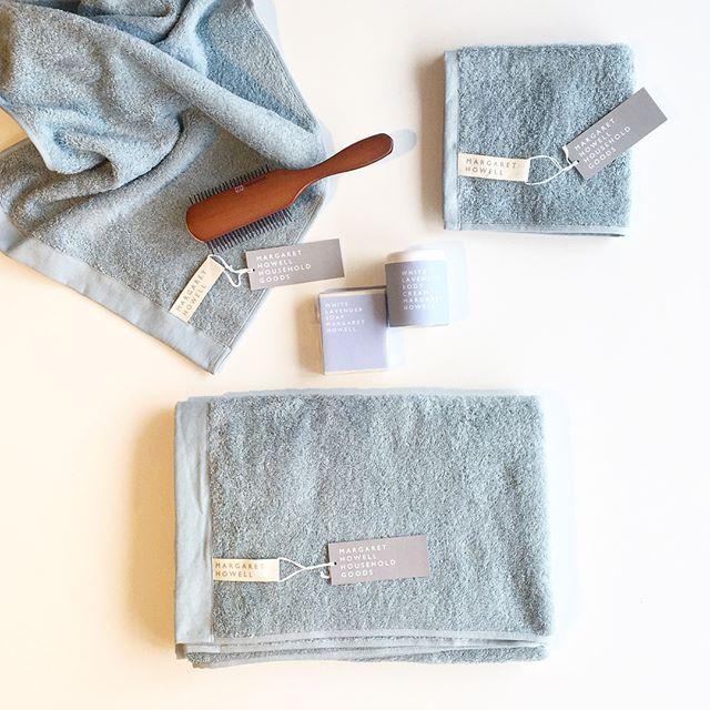 .HOUSEHOLD GOODS今シーズンのキーカラーのAqua アクア 入荷です。.コットンの吸水性とラミーの速乾性を兼ね備え清潔に保つことができます。.ギフトにもおすすめです!.くわしくはこちらをどうぞ@haus_howell ..#householdgoods #margarethowell #cotton ramie towels#今治タオル#towel#hausmatsue #島根#松江