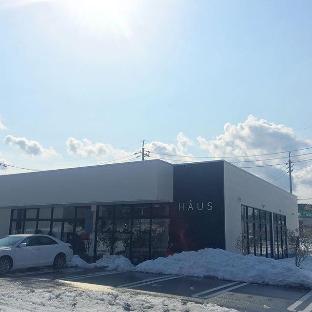 .ひさしぶりの太陽!雪かきも完了!大雪の中お昼時にはたくさんのご来店ありがとうございました!HÅUS、元気に営業しておりますっ!.