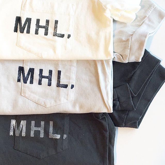 寒い寒いと思っていたらあっという間にあったかい日がやってきてもはや、暑くさえも感じますね︎Tシャツを着るイメージもむくむく湧いてきましたよ。.#MHL.#PRINTED COTTON JERSEYメンズ、ウィメンズ共に入荷です!サイズが揃ってるうちにどうぞ。.#logotee#Tシャツ#hausmatsue #島根#松江
