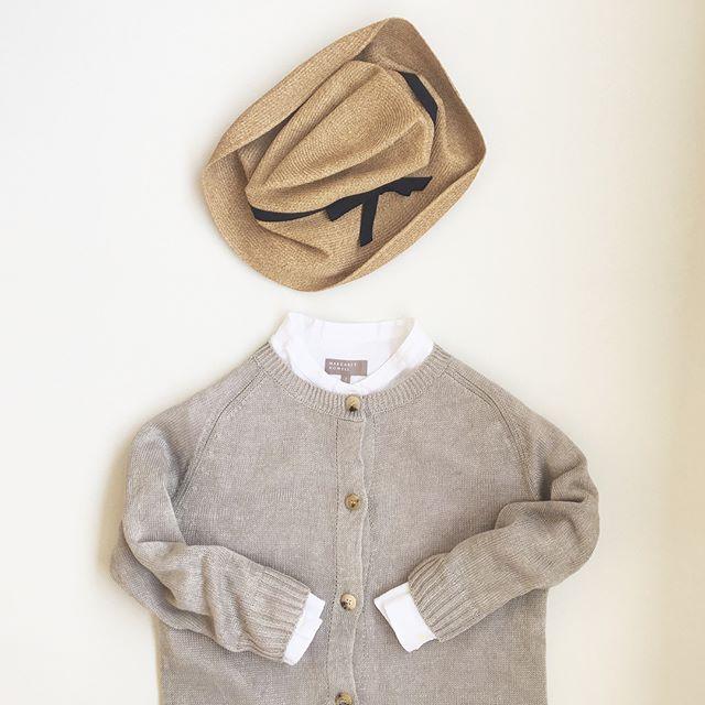 .そろそろ気になるリネンもの。シャツやカーディガントラウザーやくつしたなどの小物も入荷しました。.こちらもあわせてどうぞ︎@haus_howell .#margarethowell #faded linen#matureha #linen#cardigan#linenshirt#shirt#hausmatsue #島根#松江