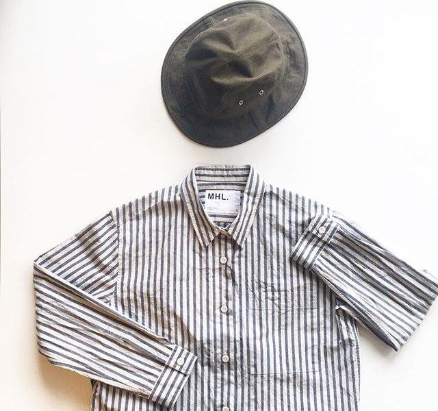 .気分はサファリ。メンズライクなグレーとネイビーのストライプ。ワーク感に惹かれます。.あわせてこちらもどうぞ︎@haus_howell .#MHL.#cotton linen chambray#製品洗い#shirt#stripes #Safari#work#raised cotton drill#hat#hausmatsue #島根#松江