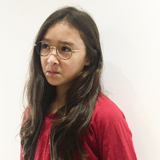 お買い上げいただいたお客様の紹介ですお顔がものすごく小さいのでジュニア用のメガネがちょうどいい大きさでした・・メガネの似合う似合わないはサイズ選びから始まります似合うメガネの相談も受け付け中です#松江眼鏡#haus#似合う眼鏡探したい