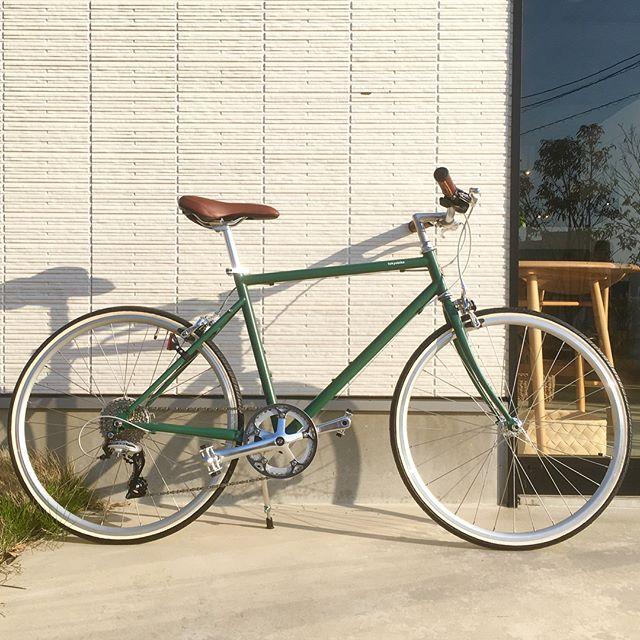 .【tokyobike】..変速ギアを兼ね備えたモデルであるTOKYOBIKE26。アップダウンのある道でも快適に進む事が出来ます︎松江の空気感にこの上なくマッチする洗練されたデザイン、是非HAUSへ体験しにお越しください..#自転車#tokyobike#トーキョーバイク#haus#haus_matsue#hausmatsue #松江カフェ #島根カフェ#松江 #島根 #山陰
