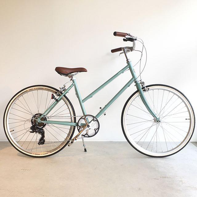 .【tokyobike】.クラシカルな雰囲気を持つBISOU26。初夏の陽気にピッタリの爽やかなブルージェイドで試乗車をご用意してます..#自転車#tokyobike#トーキョーバイク#haus#haus_matsue#hausmatsue #松江カフェ #島根カフェ#松江 #島根 #山陰