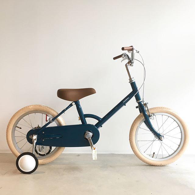 ..tokyobikeよりキッズ用モデル、littleをご紹介可愛らしくもエレガントな色使いが目を惹きます太めのタイヤに補助輪付きで安全性も完備◎.お子さんの成長の1ページをtokyobikeと共に刻んではいかがでしょうか..#自転車#tokyobike#トーキョーバイク#haus#haus_matsue#hausmatsue #松江カフェ #島根カフェ#松江 #島根 #山陰