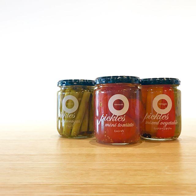 .NORTH FARM STOCK.これからの暑い日にピッタリなピクルスが入荷しました︎.左から….アスパラプチトマトミックスベジタブル.ピクルスでは珍しいアスパラやトマト定番のミックスベジタブルなどお料理に添えたり、ワインのお供にも…#haus_matsue #haus#ピクルス#アスパラピクルス#ミックスベジタブル#松江カフェ #島根カフェ#松江 #島根 #山陰