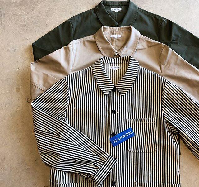 .【NAPRON/COVER JACKET】.岡山発の「NAPRON」が手掛けるカバーオール。スタンダードな形でありながら、アメリカのワークウェアを想起させるディテールが随所に散りばめられています。程よい厚みの生地感なので今の時期はTシャツの羽織としてもお使いいただけます。これから秋物の準備をお考えの方、是非店頭でチェックしてみてください◎.#napron#coveralls#カバーオール#haus#haus_matsue#hausmatsue #松江カフェ #島根カフェ#松江 #島根 #山陰