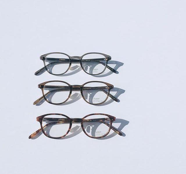 新作入荷しています・寒くなるとプラスチックの太い眼鏡かけたくなりますね・シンプルな形と色長く一緒につきあえる・目の距離 60〜66mmの方にオススメ・#optical#めがね#hausmatsue #島根#松江#松江メガネ#生活に寄り添うメガネ#メガネ男子#メガネ女子#h-fusion#HFL-815#似合う眼鏡探したい