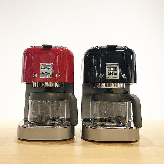 .【DeLonghi】.寒さが厳しいこの頃…コーヒーでホッと一息つきたい時にオススメのコーヒーメーカー️.〔k Mix〕蒸らしながらドリップするハンドドリップの手法に近くゆっくり時間をかけてアロマを最大限に引き出しながら抽出できるアロマスイッチ付き。.抽出後40分で保温プレートの電源を自動オフする消し忘れ防止機能やしずく防止機能付き。.2枚目のドリップコーヒーメーカーはコンパクトで置き場所を選ばないサイズ感.こちらもアロマスイッチ、消し忘れ防止機能、しずく防止機能があり、給湯開始時と完了時を分かりやすくお知らせしてくれる機能もついてます︎…#haus_matsue #hausmatsue #haus#デロンギ#デロンギコーヒーメーカー #コーヒー#コーヒーメーカー#コーヒータイム #山陰 #島根 #松江#島根カフェ #松江カフェ