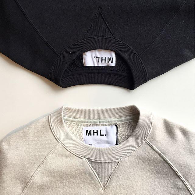.リピーターの多いMHL×LOOPWHEELER今シーズンはchalk(ホワイト)blackの2色展開。今シーズンのcrew neckはラグランスリーブ。そしてサイズ感もすこしゆったり。しっかりと繰り返し洗っても伸びない袖口や首回り。きちんとよそゆきに使えるトレーナーです。 size  メンズ  M , L .ウィメンズ  Ⅱ#MHL #loopwheeler #吊り編み#crew neck#zipup #hausmatsue #島根#松江