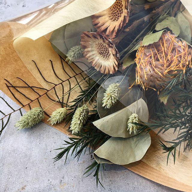 .春は出会いと別れの季節。大切な人へドライフラワーのブーケ贈りませんか。HÅUSのプリザのInstagramはこちらからどうぞ↓@haus_flower .#bouquet#dryflower#dryflowerbouquet#hausmatsue #島根#松江