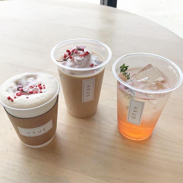 ..こんにちは〜︎本日もご来店ありがとうございます!.明日から春限定のドリンクがスタートします.○さくらミルクティー hot/ice○さくらティーソーダさくらミルクティーのアイスのみタピオカトッピングができます◎.ほんのりさくらの香りがする春らしいミルクティーと、自家製紅茶シロップを使ったさくらティーソーダの2種類です!.どちらも自家製シロップを使用のため売り切れる場合がございます。ご了承くださいませ。.春限定のドリンクなのでぜひぜひお試しくださいね〜♡..本日も21時まで営業しております。(ラストオーダー20時15分)たくさんのご来店お待ちしております!….#春限定 #春 #spring #期間限定#さくらドリンク #さくら ##さくらミルクティー #さくらティーソーダ#drink #ドリンク#takeout #テイクアウト#cafe #カフェ #カフェ巡り #hausmatsue #haus_matsue #松江カフェ #島根カフェ#松江 #島根 #山陰#島根旅行