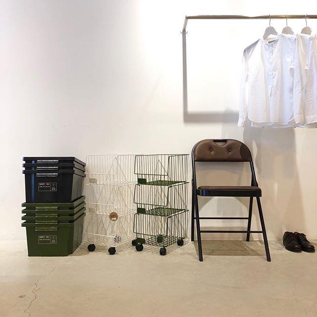 .「a.depeche(アデペシュ)」が手掛けるデザイン性の高いライフスタイルグッズ。デザイン性と利便性が両立され、お部屋にあるだけで暮らしの質と見た目が向上するものばかりを取り揃えました。「新生活の準備を進めてはいるけど何か物足りない。」という思いをお持ちの方にしっかりと満足いただける商品をご用意してお待ちしております。.気持ちの良い陽気になりましたのでお出掛けのついでにHÅUSへお立ち寄りくださいませ。.#adepeche#アデペシュ#lifestyle#新生活#新生活グッズ#haus #haus_matsue #hausmatsue #松江カフェ #島根カフェ #松江 #島根 #山陰