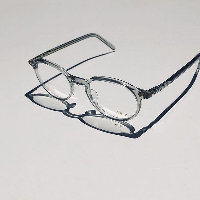 #lunorより定番モデルと#newcolor 到着しましたクリア系のカラーは注目です・あとはドイツブランドらしいサイズ感は一味ちがって良いです・#optical#めがね#hausmatsue #島根#松江#松江メガネ#生活に寄り添うメガネ#メガネ男子#メガネ女子#似合う眼鏡探したい