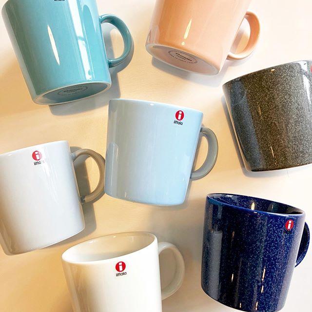 .コーヒー好きのお父さんにマグカップの名作をプレゼント️.北欧食器を語る上で欠かせない「iitala」のteema mug。0.3Lの容量をもち、洗練され普遍的なデザインで世界中で支持されるマグカップの名作です。父の日のギフトにぴったりの、美しくも男性らしさを感じさせるお色味も豊富にご用意しております。.お問い合わせの多かった新色「powder(パウダー)」も入荷しました。ぜひともご覧くださいませ。.#父の日#北欧食器#iittala#teemamug#powder#haus #haus_matsue #hausmatsue #松江カフェ #島根カフェ #松江旅行#島根旅行#松江 #島根 #山陰
