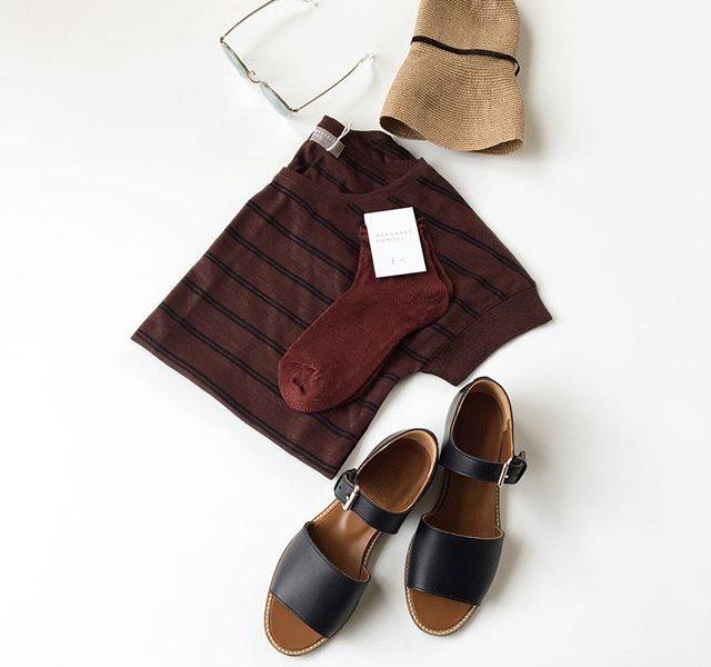 .マーガレットハウエル春夏の定番のstripe linen jersey新色入荷です︎そして合わせて使いたいpropoのサングラス。暑くなるのはこれからですね。HÅUSのハウエルのインスタはこちらです︎@haus_howell .#margarethowell #stripe linen jersey#linen#linen bobby sock#mulberry#sandal#matureha #sunglasses#propo #hausmatsue #島根#松江