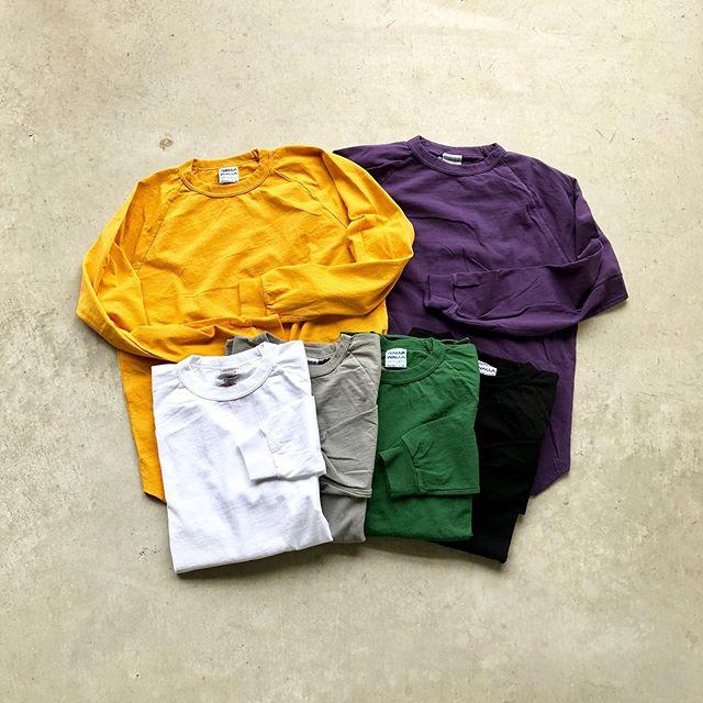.○WALLA WALLA SPORT「BASEBALL Tee」.アメリカ製らしいタフな生地感のコットン。人気のワラワラスポーツの名品、ベースボールTシャツのロングスリーブが入荷です。涼しくなるこれからの時期にヘビロテ確定の一枚。ゆったりとしたシルエットですので近年流行のワイドシルエットの着こなしにも◎アウターのインナーとしてもおすすめです。.#wallawallasport#madeinusa#haus #haus_matsue #hausmatsue #松江カフェ #島根カフェ #松江旅行#島根旅行#松江 #島根 #山陰
