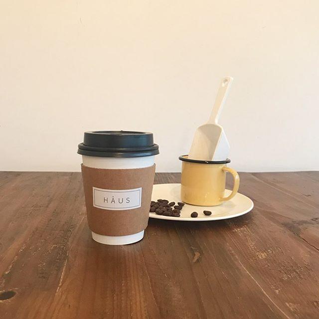.テイクアウトもお楽しみできる当店のドリンク。一番人気はやっぱりコーヒー️◎.オーダーが入ってから豆をミルで挽いて丁寧にドリップでコーヒーを淹れています️.オーダーが入るたびに広がるコーヒーの香りがホッとする時間を楽しませてくれます️ #TABLEHAUS#hausmatsue#haus_matsue#galette#crepe#ガレット#クレープ#クレープリー#松江ランチ#松江カフェ#ドリンク#テイクアウトドリンク
