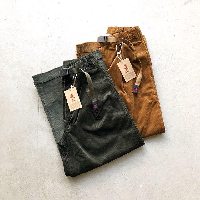 .「GRAMICCI」・Corduroy Baggy Pants・Woolblend Baloon Pants.レディースモデルのワイドパンツが入荷しました。コーデュロイ(バギー)は直線に落ち、太さが強調されるストレートシルエット。ウールブレンド(バルーン)はふわりと膨らみながら裾に掛けて絞られる、テーパードシルエットに仕立てられています。どちらも気温の低い秋冬に重宝する素材になります。暖かく雰囲気あるボトムスをお探しの方は是非お試しください。.#gramicci#corduroypants#woolpants#haus #haus_matsue #hausmatsue #松江カフェ #島根カフェ #松江旅行#島根旅行#松江 #島根 #山陰