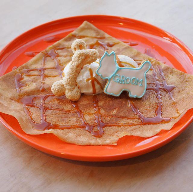 \Wan!wan!//昨日(11/10日曜日)はGROOM HAUSのしつけ教室にご参加頂いた皆さまにレストランからこちらの特性クレープを皆さまにお召し上がり頂きました.わんちゃんを型取ったお店のロゴ入りアイシングクッキーと骨型のメレンゲが可愛らしいです..ご参加頂いた皆さまありがとうございました!. 《HÅUS営業時間》◎ショップ 11:00〜20:00.◎TABLE HÅUSランチ 11:30〜14:00カフェ 14:00〜18:00(Lo.17:30)#HAUS#HÅUS#TABLEHAUS#hausmatsue#haus_matsue#galette#crepe#ガレット#クレープ#クレープリー#松江ランチ#松江カフェ#ドリンク#テイクアウトドリンク