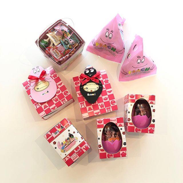 """.『 """"BARBAPAPA"""" sweets 』.懐かしさで思わず胸が熱くなる、新年にちなんだバーバパパのお菓子が入荷しました.約30年に渡り、世界40カ国以上で愛されるバーバパパ。カラフルな色味が新年のイメージにぴったりです◎.大人から子どもまで家族団らんで楽しめるバーバパパのニューイヤーお菓子。ぜひご覧にお越しください。.#barbapapa#バーバパパ#ニューイヤーお菓子#エイム#haus #haus_matsue #hausmatsue #松江カフェ #島根カフェ #松江旅行#島根旅行#松江 #島根 #山陰"""