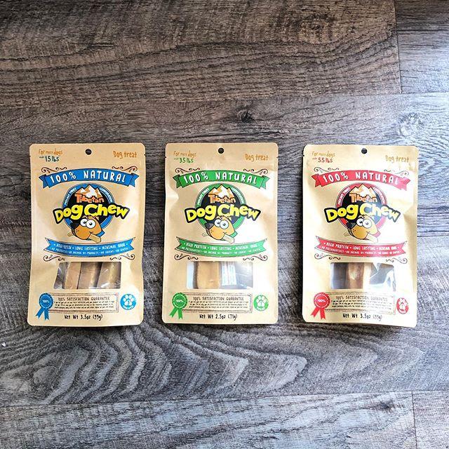 .【チベタンドッグチュー】.ワンちゃん用に長期熟成、乾燥させボーンガムの様に噛めるチーズです。.香りが強いく、硬いのでワンちゃんが長く楽しめます.ベタつきも少なく、ストレス解消にもおすすめです。.GROOM HAUS松江市乃白町20270852-61-2885open  9:00close 18:00@haus_matsue #松江トリミングサロン #松江トリミング #松江スパシャンプー#松江ペットサロン #松江ペット #松江#山陰#島根#hausmathue #groomhaus#チベタンドッグチュー