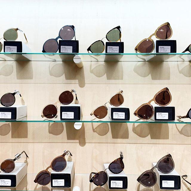 .今年こそはサングラスに挑戦してみようかなそう思わせてくれるラインナップが揃いました。BLANC..あたらしく仲間入りです🕶ファッション感覚で身につけられるサングラス、まずは、店頭でお試しくださいませ。#BLANC..#sunglasses#hausmatsue #島根#松江